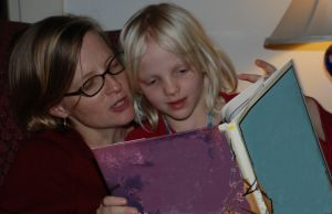 1145735_reading_books_at_home