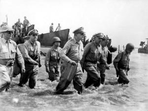 Douglas MacArthur lands Leyte Gulf