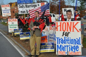 DSC_3471-300x199 Rallies Bind God to Fight for True Marriage