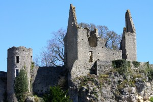 crumbling-castle-berry-france-716761_960_720