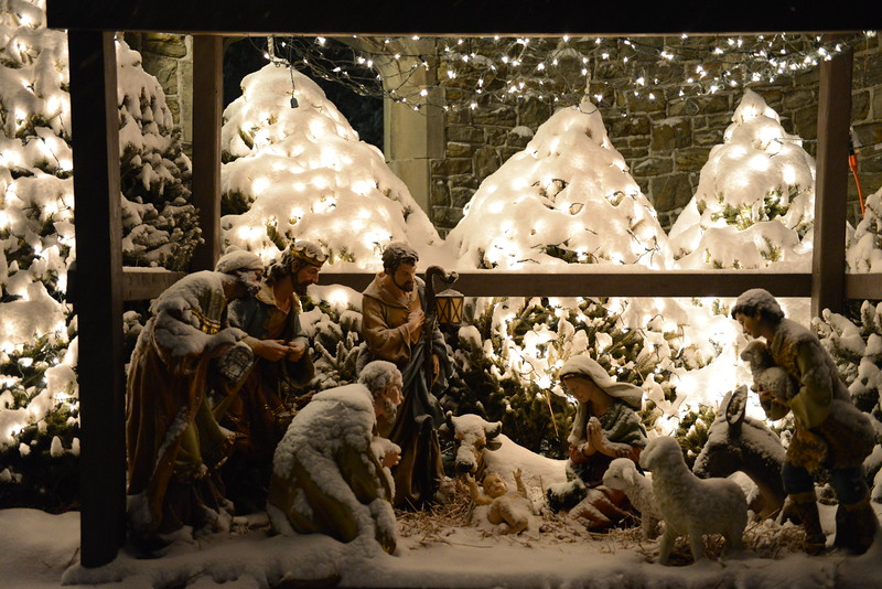 The_First_Chistmas_Crib-1 The First Christmas Crib