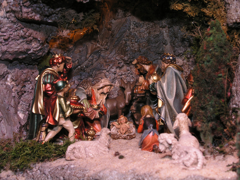 The_First_Chistmas_Crib-4 The First Christmas Crib