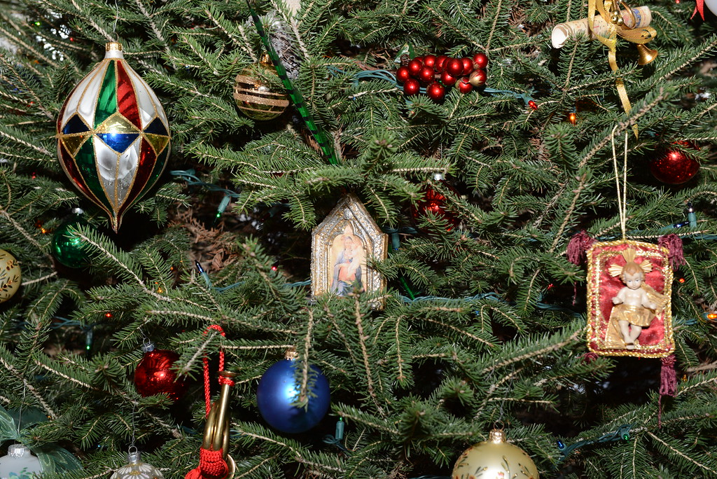 The Story of the Christmas Tree- symbol of Christianity, the \'Tree ...