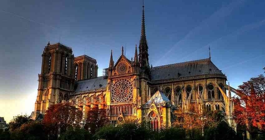 Notre_dame_paris Notre Dame Cathedral: A Jewel Box of Beauty