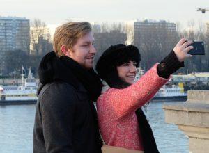Selfies and Divorce in the Digital Age