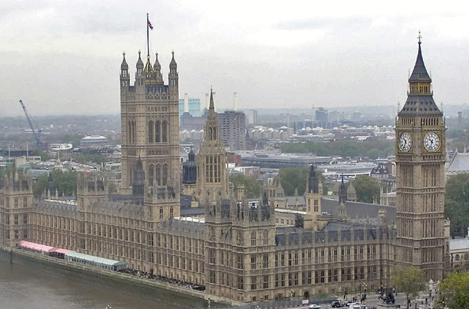 Palace.of_.westminster.arp_-e1502815804529 Catholic Medieval Architecture Converts Protestant Artist