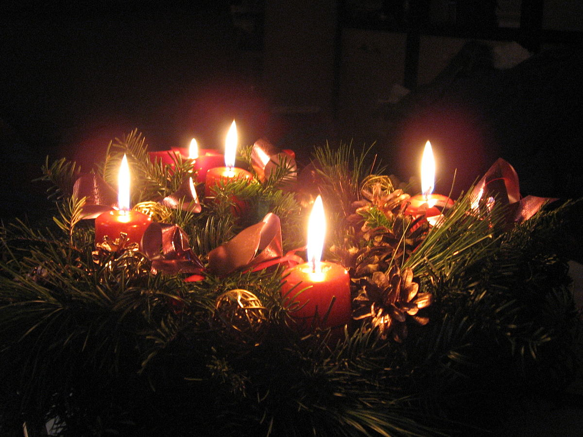 1200px-Adventný_veniec_I. The Beautiful Season of Advent