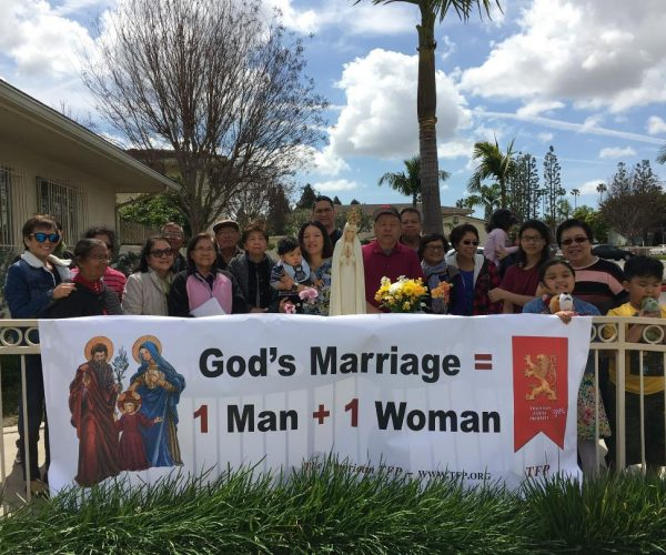 courage-cheer-3118-traditional-marriage-rosary-rallies-across-america-22