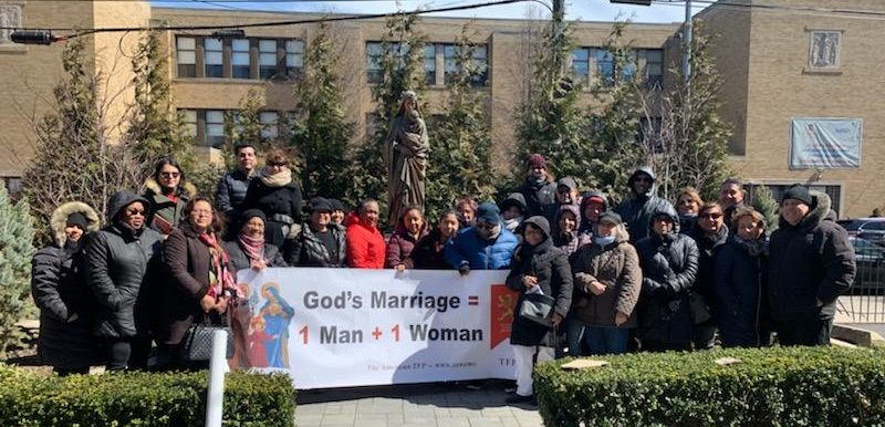 courage-cheer-3118-traditional-marriage-rosary-rallies-across-america-12