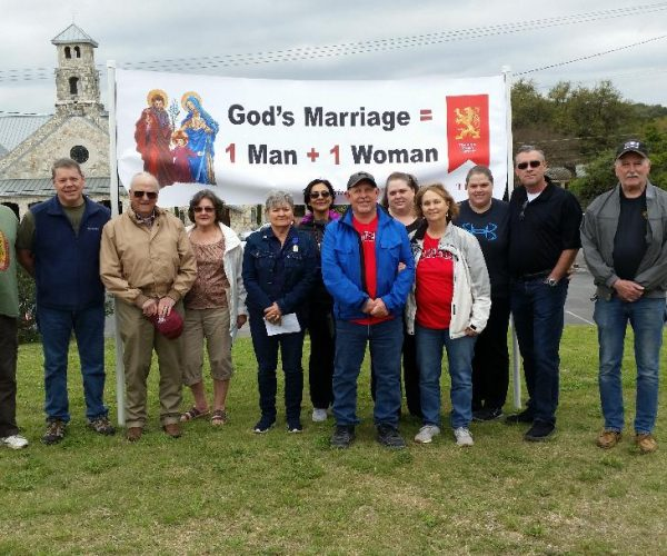 courage-cheer-3118-traditional-marriage-rosary-rallies-across-america-7